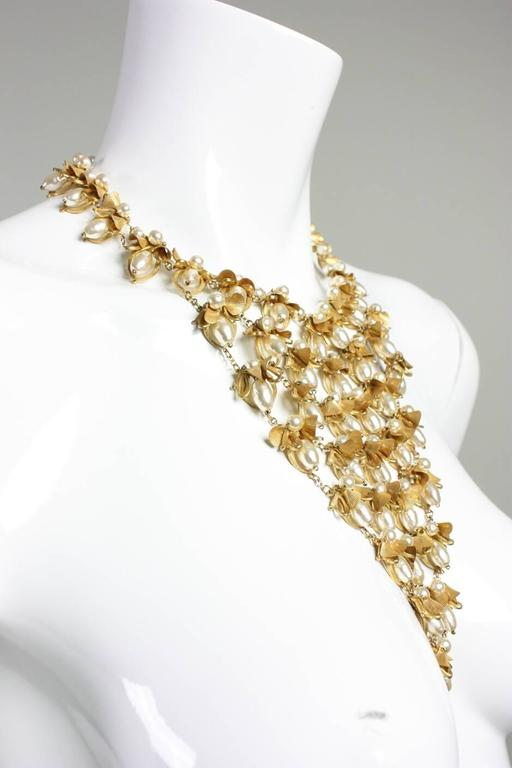 Miriam Haskell Pearl Bib Necklace In Excellent Condition For Sale In Los Angeles, CA