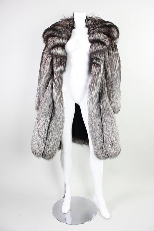 Vintage Silver Fox Fur Coat For Sale 2