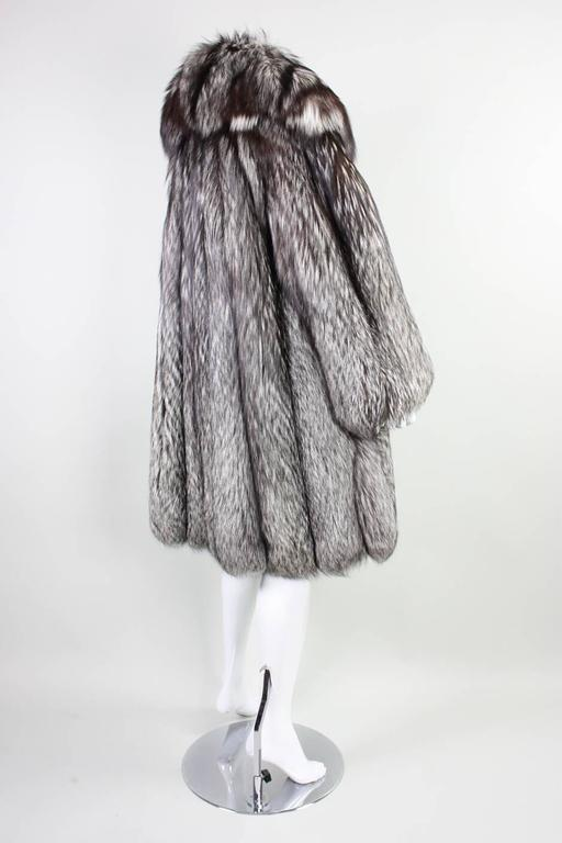 Women's Vintage Silver Fox Fur Coat For Sale