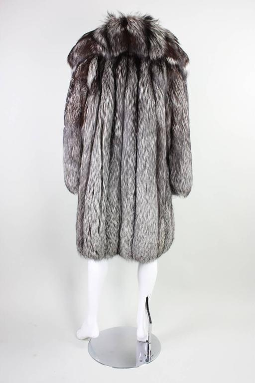 Vintage Silver Fox Fur Coat For Sale 1