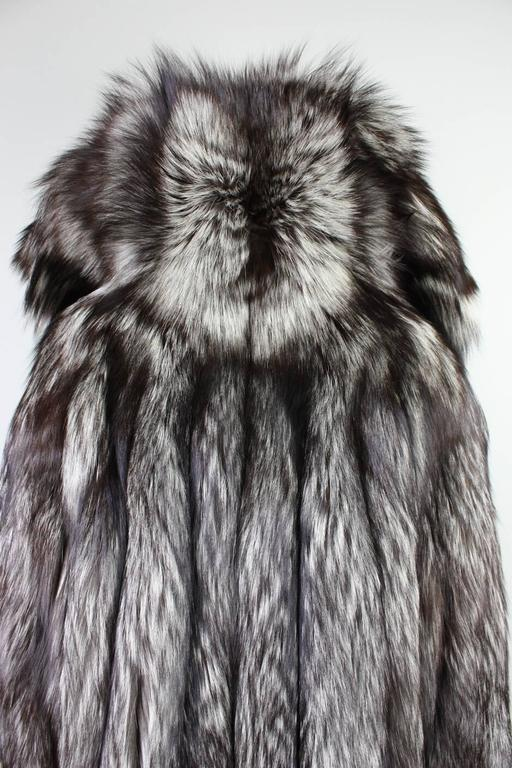 Vintage Silver Fox Fur Coat For Sale 3