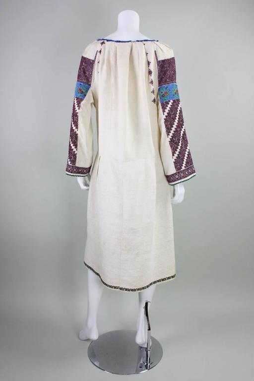 Vintage Eastern European Hand Embroidered Linen Dress In Good Condition For Sale In Los Angeles, CA
