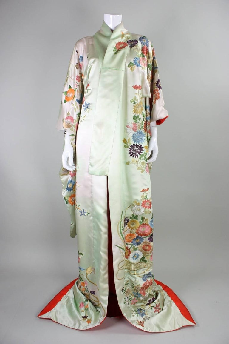 Vintage Japanese Embroidered Wedding Kimono For Sale At 1stdibs
