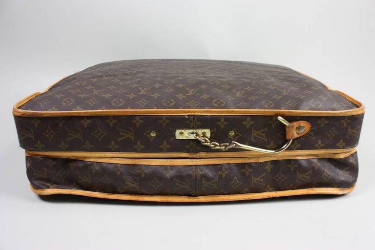 Women's or Men's 1990's Louis Vuitton Monogram Garment Bag Luggage For Sale