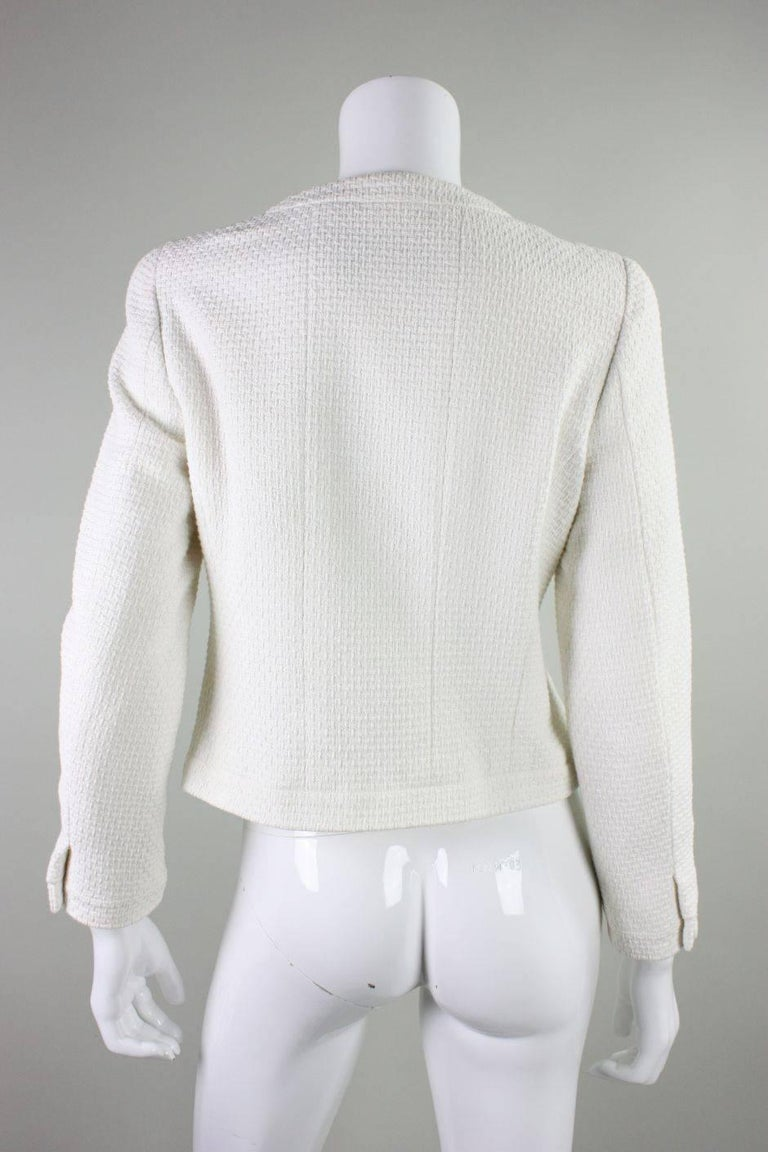 1990's Chanel Cropped White Textured Jacket In Excellent Condition For Sale In Los Angeles, CA
