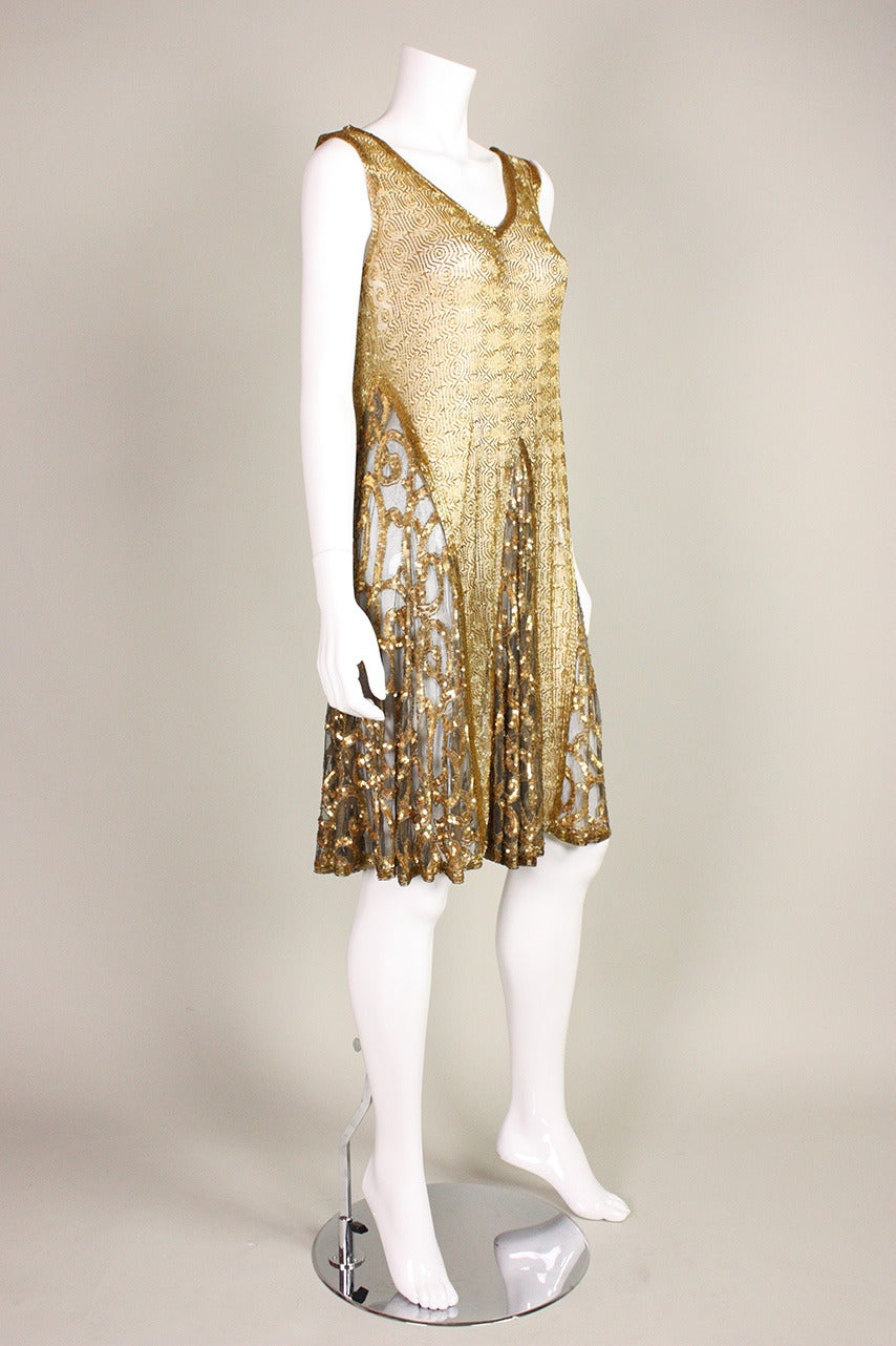 1920's Gold Beaded & Sequined Dress In Excellent Condition For Sale In Los Angeles, CA