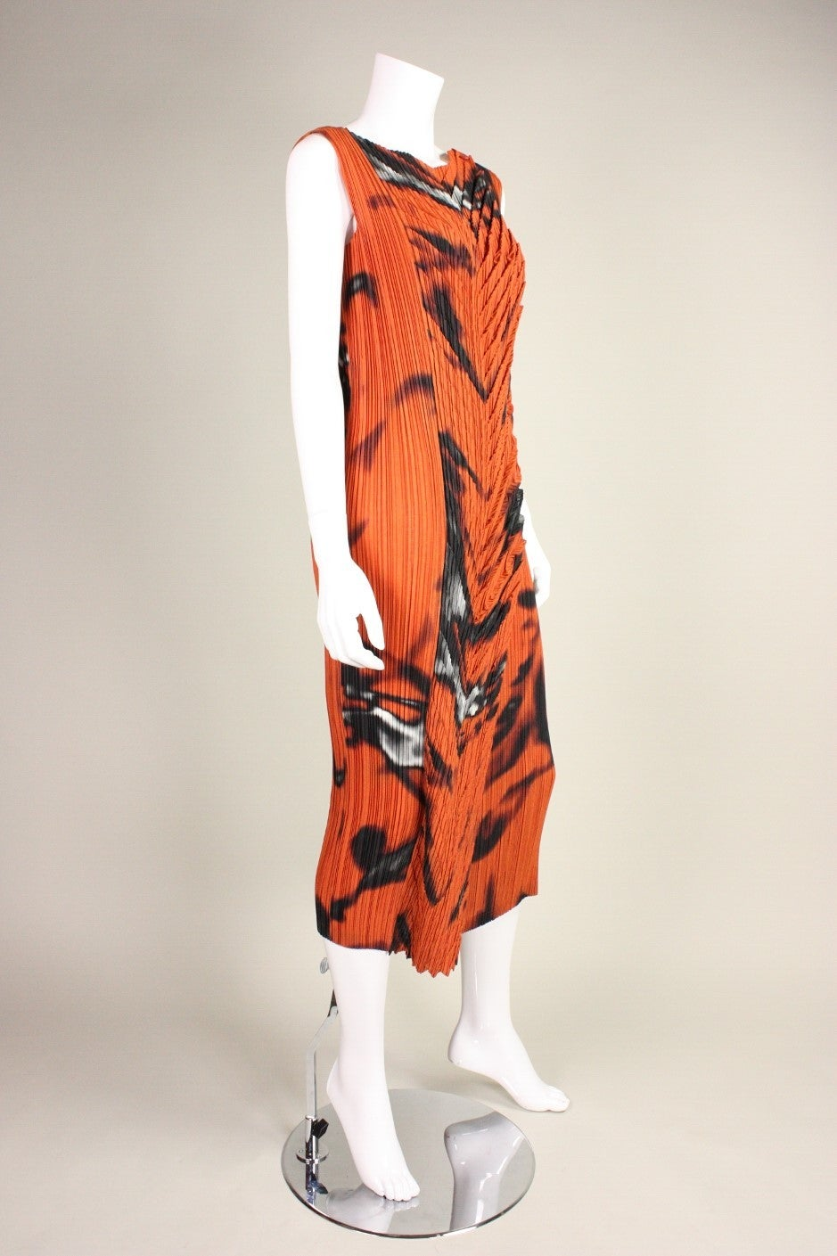 Issey Miyake Pleated Dress with Abstract Print In Excellent Condition For Sale In Los Angeles, CA