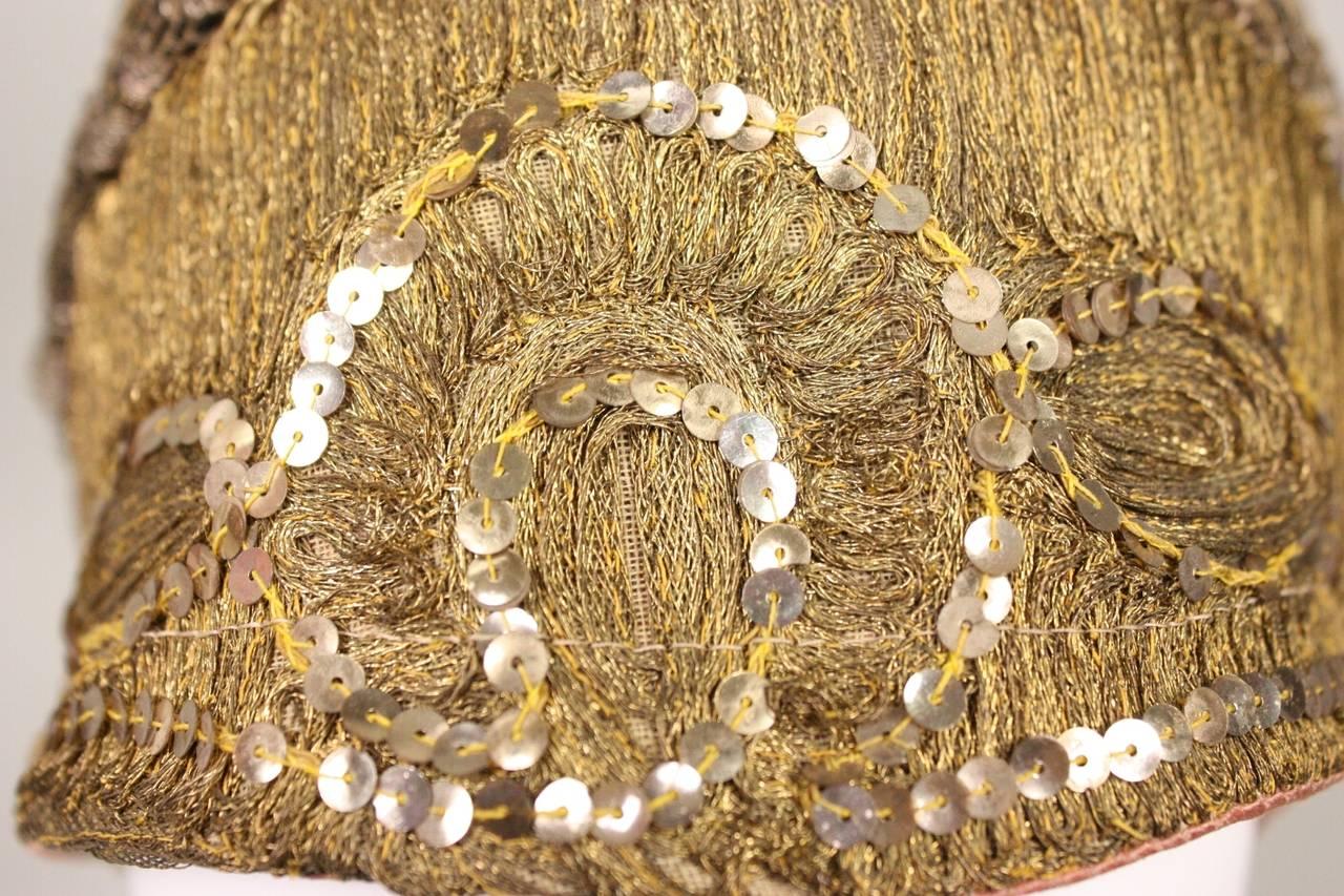 1920's Metallic Lace & Gold Bullion Cloche For Sale 2