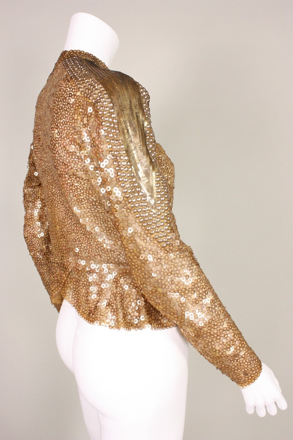 1930's Sparkling Gold Sequined Jacket In Excellent Condition For Sale In Los Angeles, CA