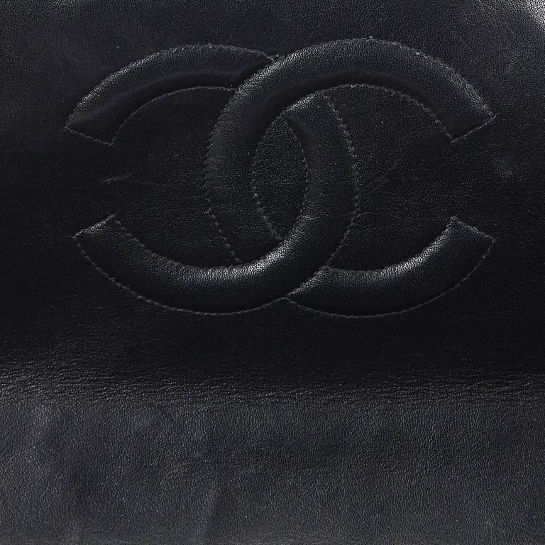 Chanel Black Quilted Lambskin Vintage Maxi Jumbo XL Flap Bag, 1990s  For Sale 4