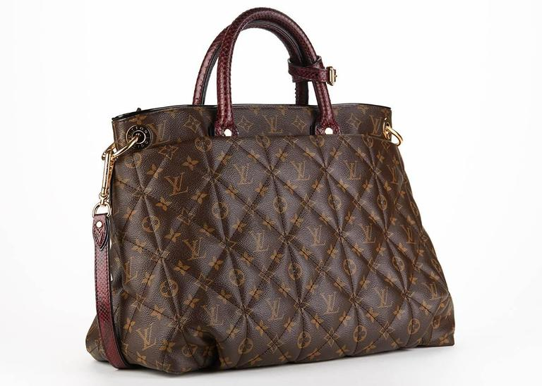 Louis Vuitton Brown Classic Monogram Canvas Ostrich and Python Etoile, 2010s  In Excellent Condition For Sale In Bishop's Stortford, GB