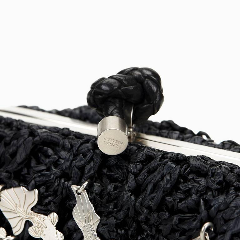 Bottega Veneta Black Raffia Lavorazione Fatta A Mano Knot Clutch, 2000s  For Sale 2