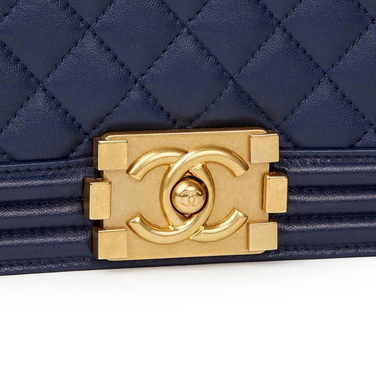 2016 Chanel Navy Quilted Lambskin Medium Le Boy In New never worn Condition For Sale In Bishop's Stortford, GB