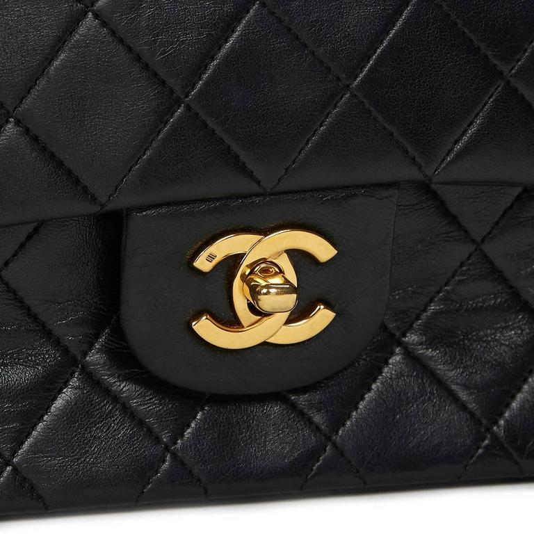 Chanel Black Quilted Lambskin Vintage Medium Classic Double Flap Bag 1980s  For Sale 5
