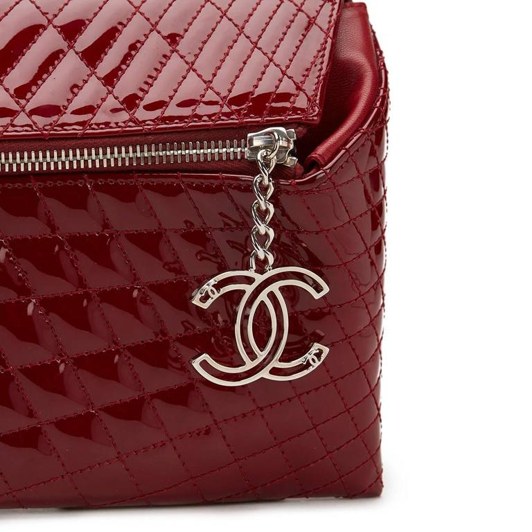 2000s Chanel Burgundy Quilted Patent Leather Geometric Clutch For Sale 2