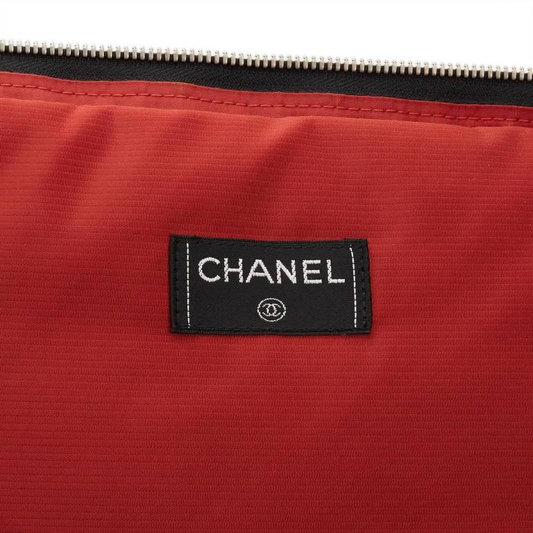 2000s Chanel Black & White Nylon Waterproof Travel Line Rolling Case For Sale 6
