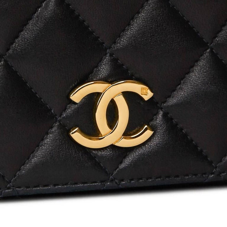 1990s Chanel Black Quilted Lambskin Vintage Classic Single Flap Bag For Sale 4