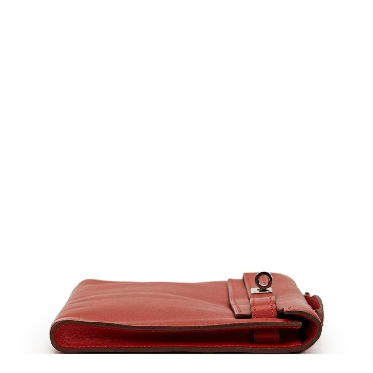 2007 Hermes Rouge Garance Swift Leather Kelly Longue Clutch In Good Condition For Sale In Bishop's Stortford, Hertfordshire