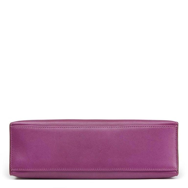 2010 Hermes Anemone Swift Leather Kelly Pochette  In Good Condition For Sale In Bishop's Stortford, Hertfordshire