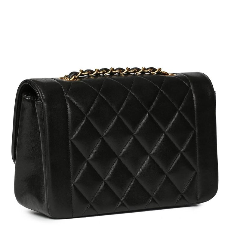 Women's 1990s Chanel Black Quilted Lambskin Vintage Small Diana Classic Single Flap Bag For Sale
