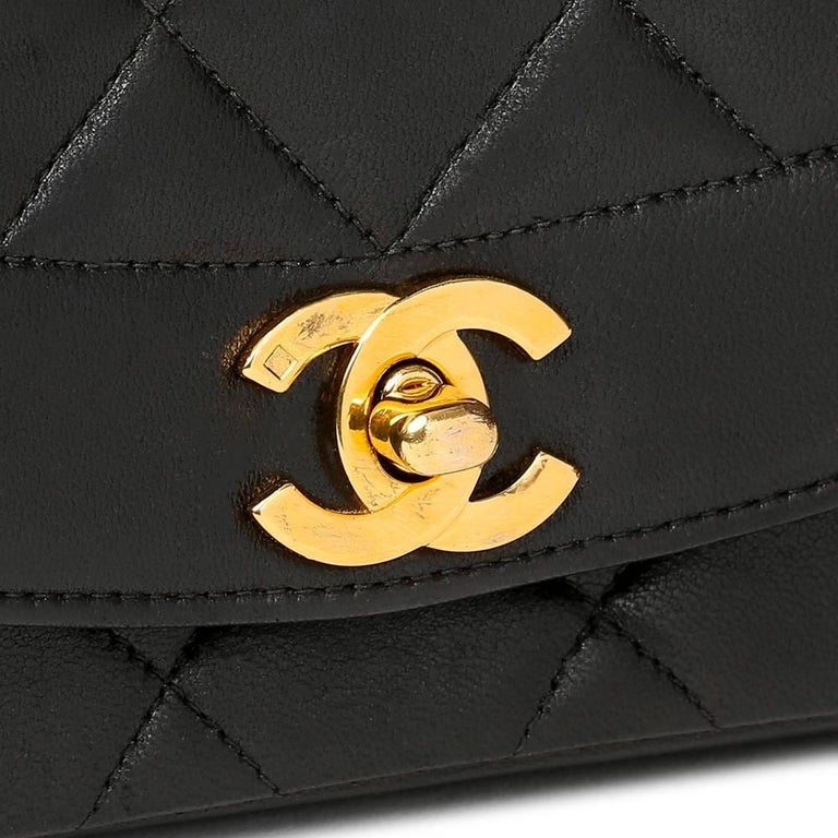 1990s Chanel Black Quilted Lambskin Vintage Small Diana Classic Single Flap Bag For Sale 2