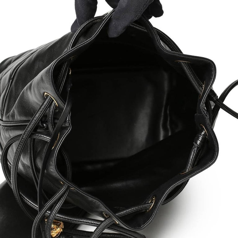 1be0b8c456fc2a 1991 Chanel Black Quilted Lambskin Vintage Bucket Bag For Sale 4