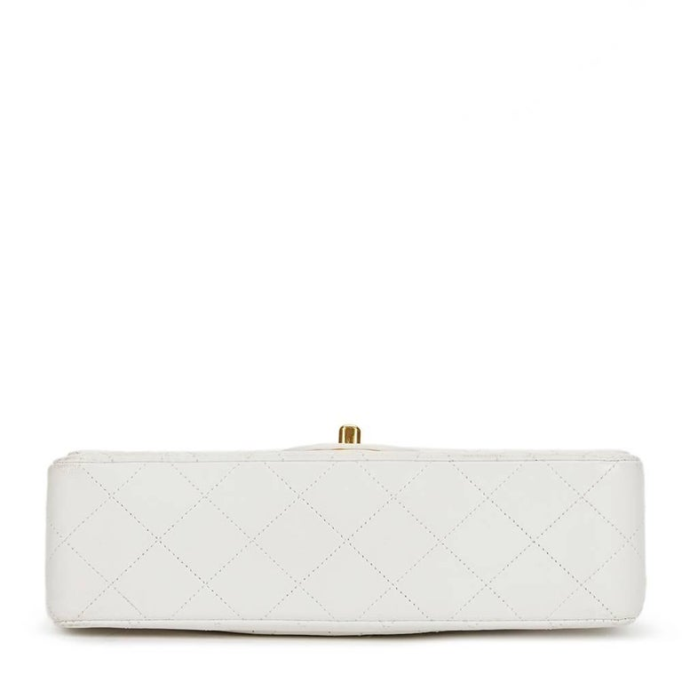 Chanel White Quilted Lambskin Vintage Small Classic Double Flap Bag  In Good Condition For Sale In Bishop's Stortford, Hertfordshire