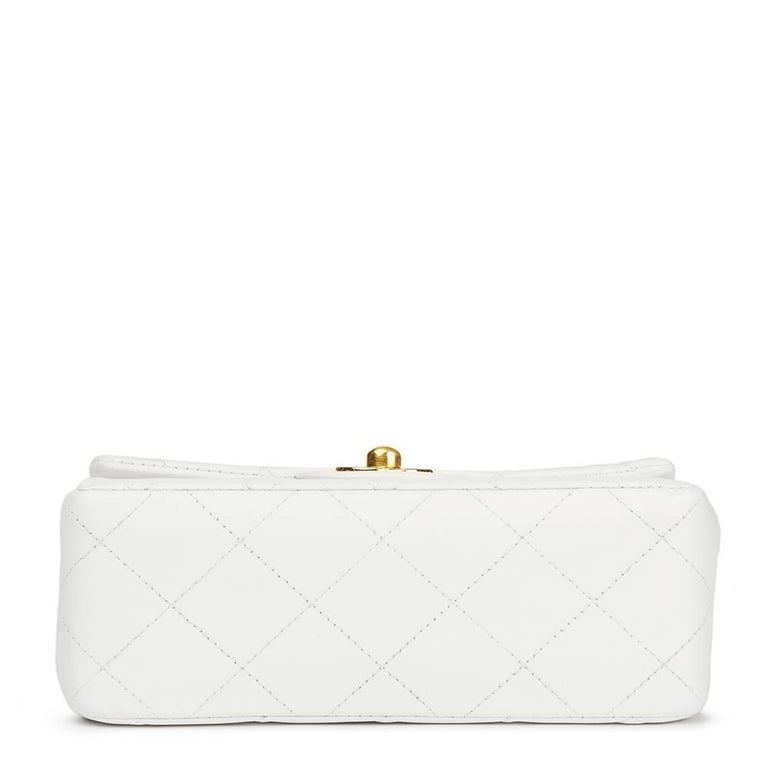 1990s Chanel White Quilted Lambskin Vintage Mini Flap Bag  In Good Condition For Sale In Bishop's Stortford, Hertfordshire