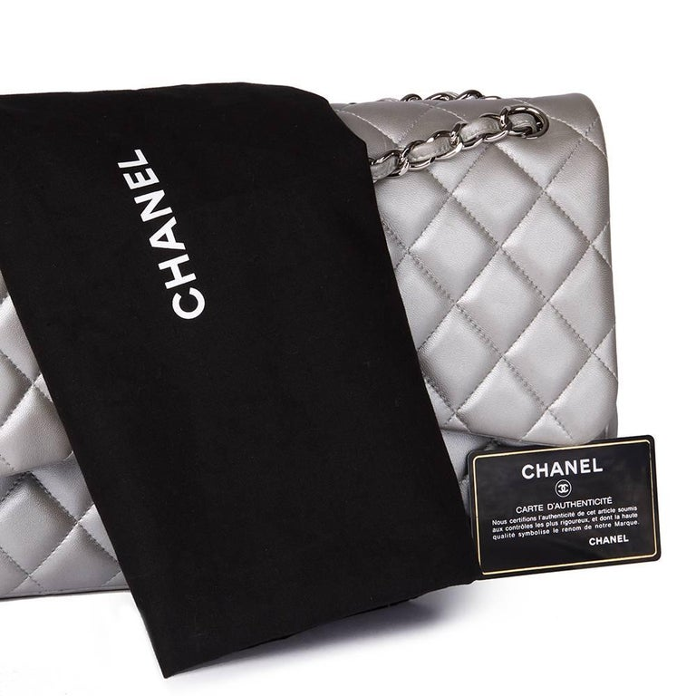 Chanel Silver Metallic Quilted Lambskin Jumbo Classic Double Flap Bag For Sale 5