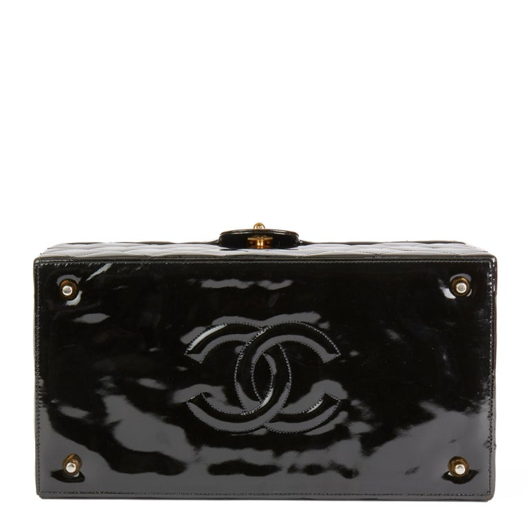 Women's Chanel Black Patent Leather Vintage Classic Vanity Case, 1994  For Sale