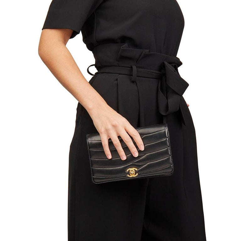 1992 Chanel Black Wave Quilted Lambskin Vintage Classic Clutch For Sale 6
