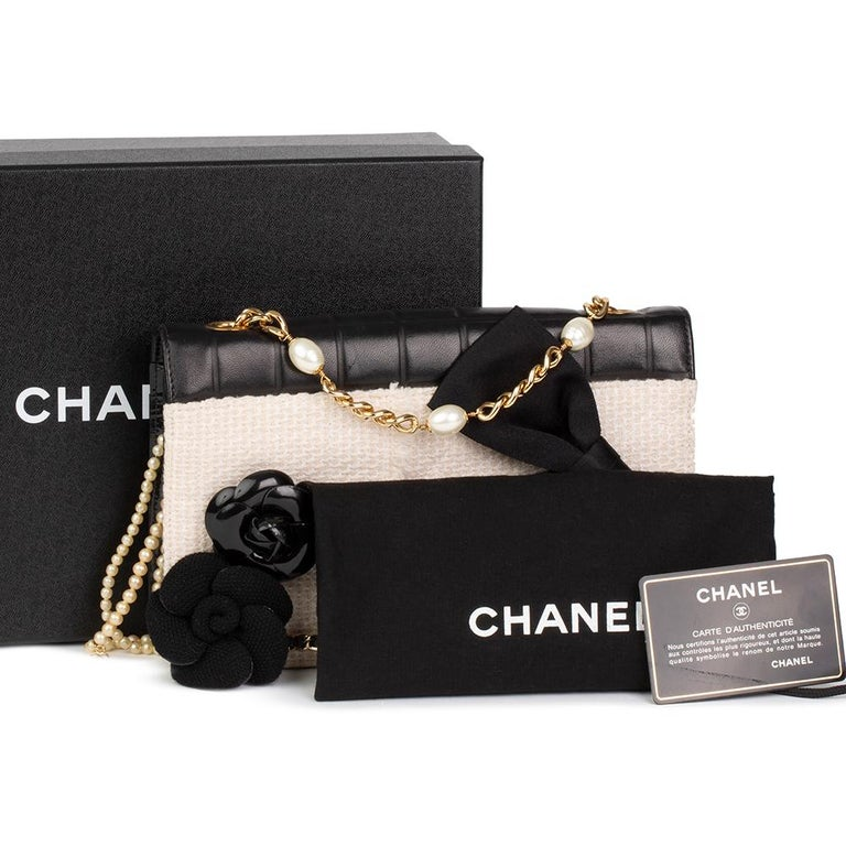 2002 Chanel Black Chocolate Bar Quilted Lambskin / Beige Tweed Motif Pin Jacket  For Sale 7