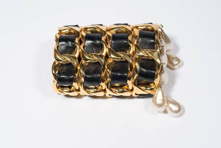 Chanel Vintage Amazing Cuff  1988-1992 In Good Condition For Sale In Paris, FR
