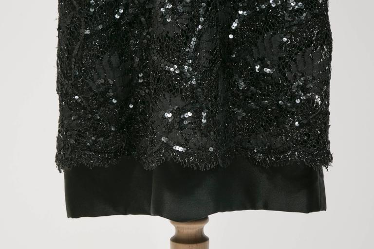 1960 's Balenciaga Haute -Couture Blake Lace Sequins Cocktail Dress In Excellent Condition For Sale In Paris, FR