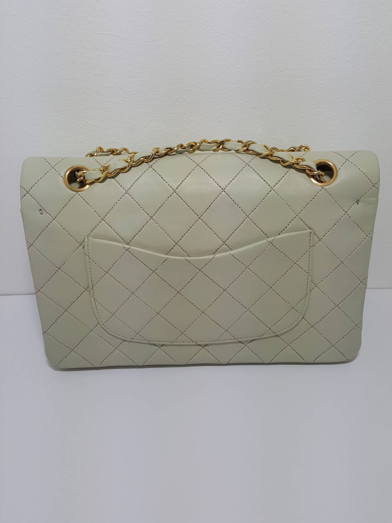Lovely Vintage Cream Chanel Double Flap Classic with Gold Hardware. 2