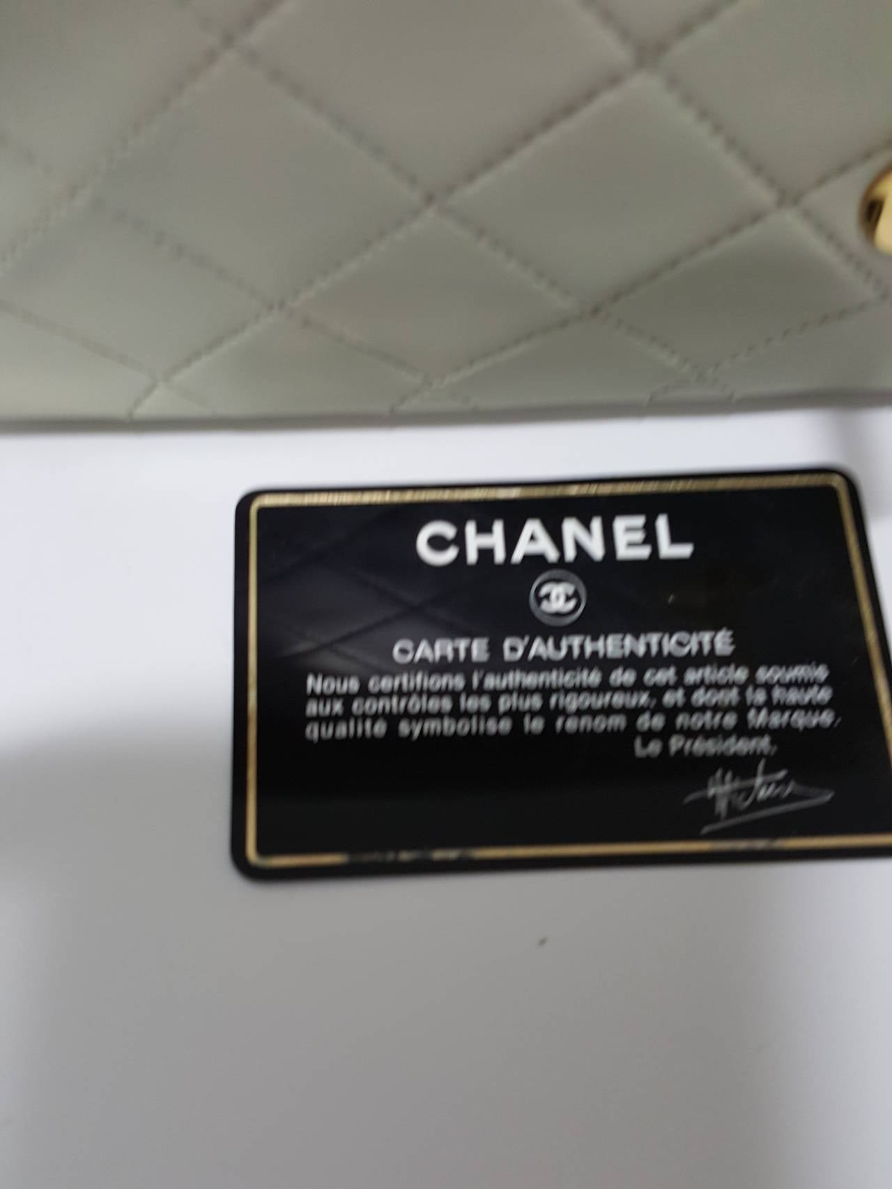 Lovely Vintage Cream Chanel Double Flap Classic with Gold Hardware. 10