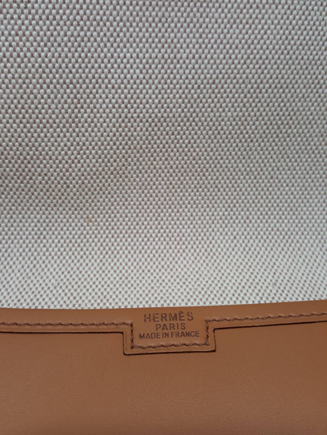 Women's or Men's HERMES Large Golden Jige Clutch in perfect Condition. For Sale