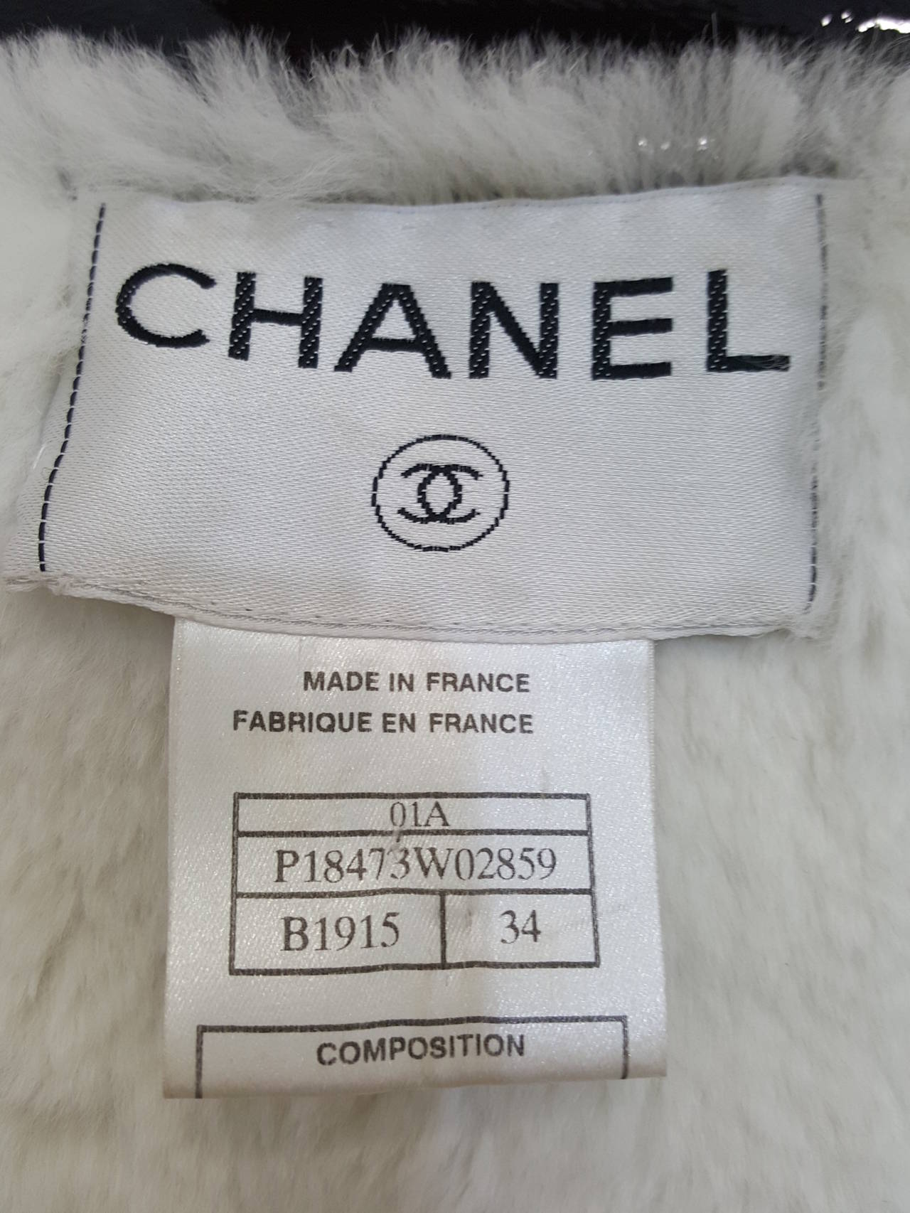 CHANEL Black Patent Leather Rain Coat With Sheered Rabbit Lining. Size 34 For Sale 2
