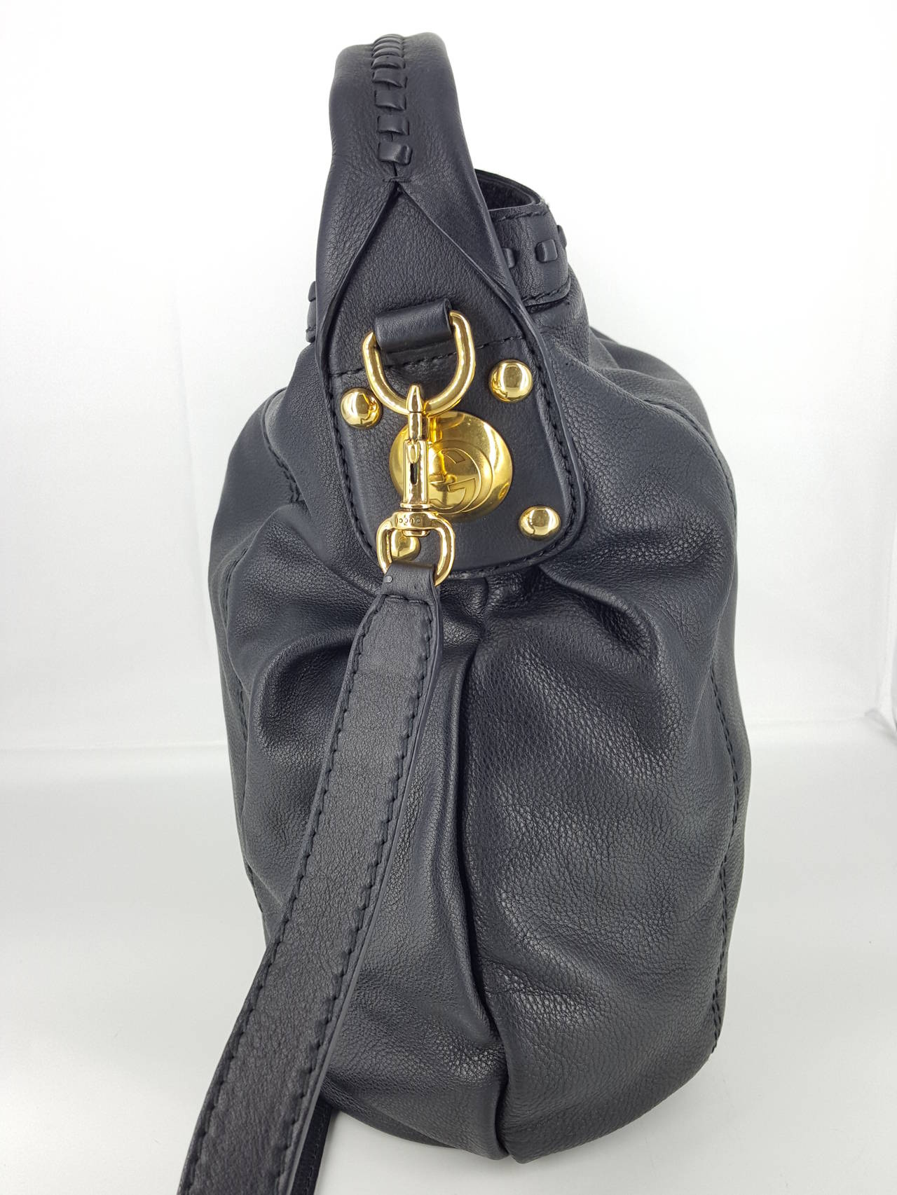 """Gucci Black Leather """"Sunset"""" Hobo Bag With Gold Hardware.  New In New never worn Condition For Sale In Delray Beach, FL"""