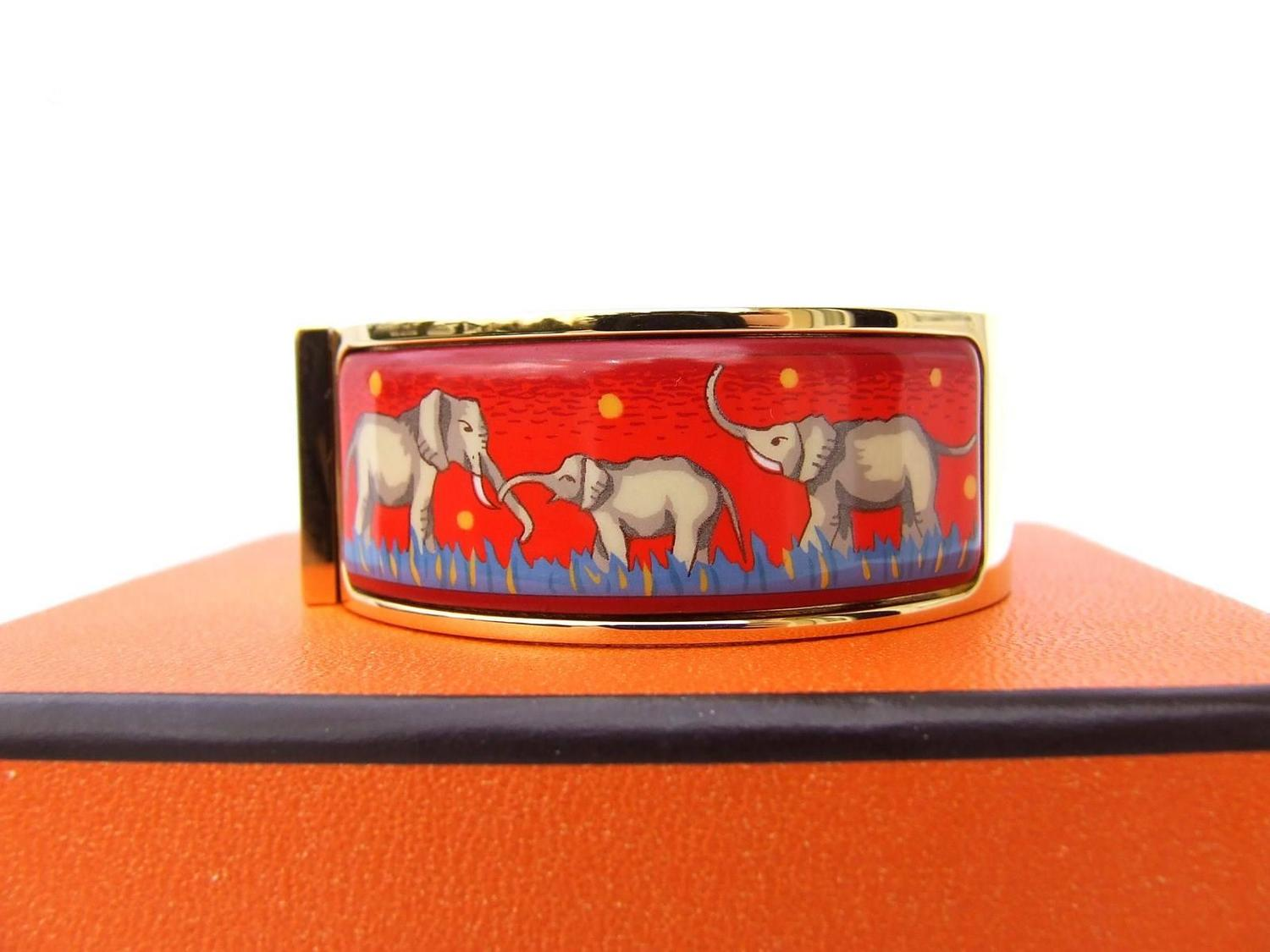 Hermes clic clac bracelet elephant grazing red ghw size pm for sale at 1stdibs - Dimensions clic clac ...