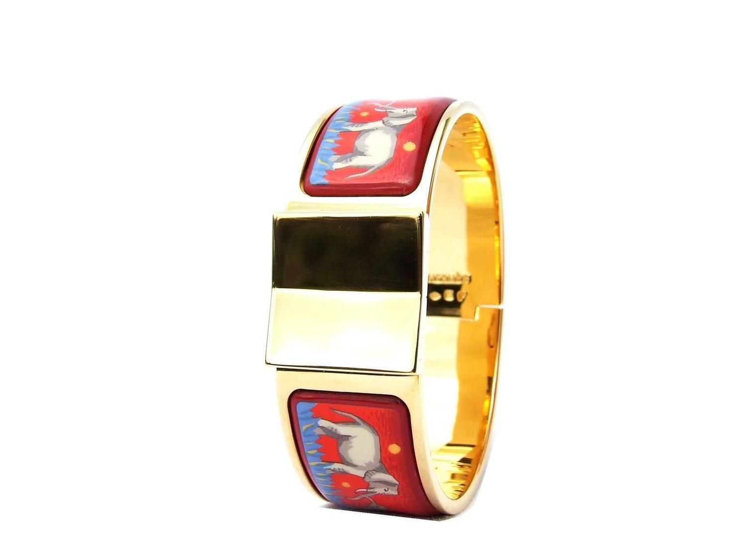 hermes clic clac bracelet elephant grazing red ghw size pm. Black Bedroom Furniture Sets. Home Design Ideas