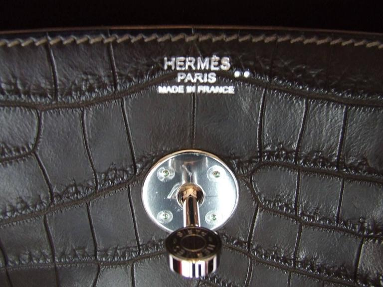 Exceptionnal Hermes Lindy Handbag Brown Matte Crocodile Niloticus PHW 30 cm 7