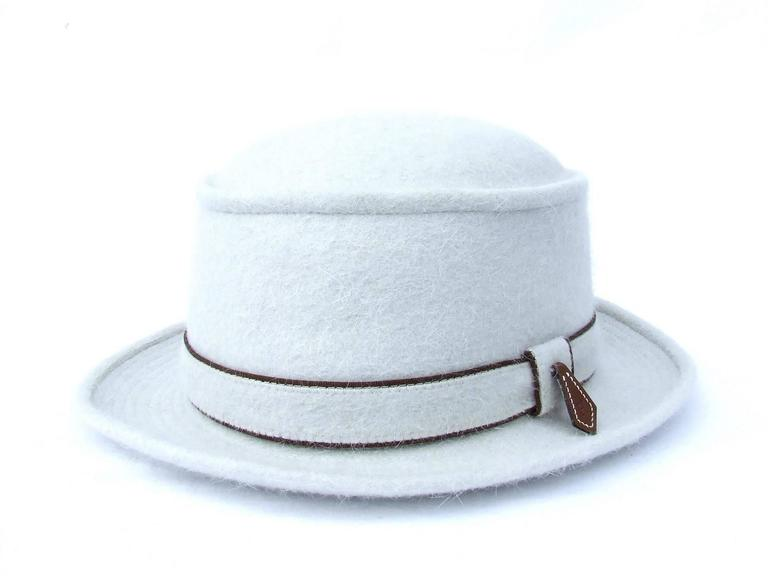 Absolutely Gorgeous Authentic Hat  Made by Motsch Paris for Hermes  No idea about the date of creation of this hat. I prefer to put it in vintage as Hermes bought Motsch in 1991 and I do not know if the tags still the same since.   Made of 100%