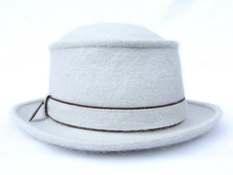 Women's MOTSCH Paris For HERMES Felt Hat Light Grey Size 56 For Sale