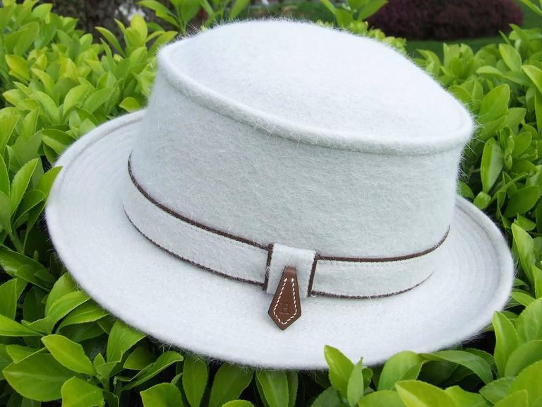 MOTSCH Paris For HERMES Felt Hat Light Grey Size 56 For Sale 4