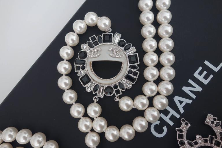 CHANEL CC Smiley Emoji Crystal White Pearl Beaded Long Necklace 2016 2