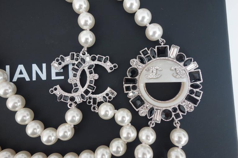 CHANEL CC Smiley Emoji Crystal White Pearl Beaded Long Necklace 2016 4