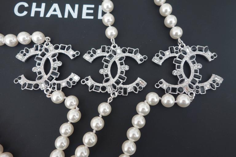 CHANEL CC Beaded Necklace White Pearls Black Crystal 2016 6