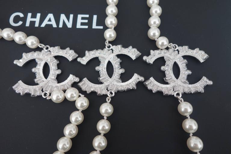 CHANEL CC Beaded Necklace White Pearls Black Crystal 2016 7