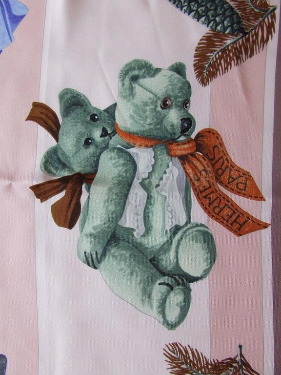 Brown Hermes Silk Scarf Confidents des coeurs Bears Pink Blue 90 cm For Sale